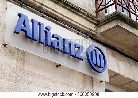 Bordeaux , Aquitaine / France - 01 15 2020 : Allianz Insurance Sign Logo Wall Store Office Brand Fin