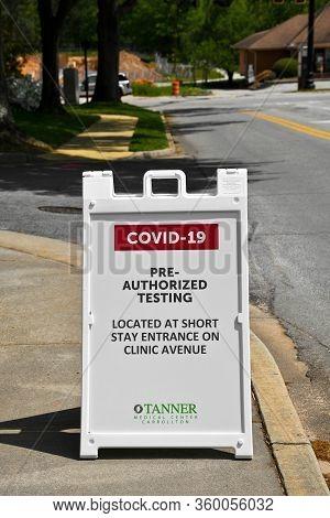 Carrollton, Ga / Usa - April 6, 2020: Tanner Medical Center In Carrollton, Ga Placed Signs At The En