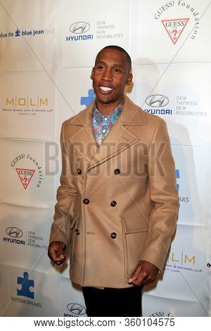 LOS ANGELES - NOV 26:  Raphael Saadiq at the Autism Blue Jean Ball at the Beverly Hilton Hotel on November 26, 2012 in Beverly Hills, CA12