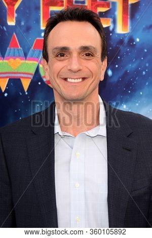 LOS ANGELES - NOV 13:  Hank Azaria at the