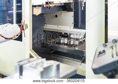 Fast Or Quick Flexible Holder Clamp For Catch Product Workpiece Setting On Work Table In Cnc Machini