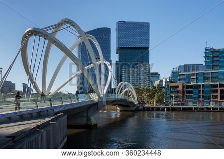 Melbourne, Australia - December 4: Seafarers Bridge In South Melbourne On December 4, 2018 In Melbou