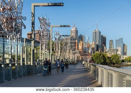 Melbourne, Australia - December 4: Sandridge Footbridge In South Melbourne On December 4, 2018 In Me