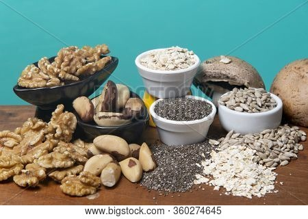 Food As A Source Of Minerals Such As Zinc, Magnesium, Copper And Selenium - Chia Seeds, Sunflower Se