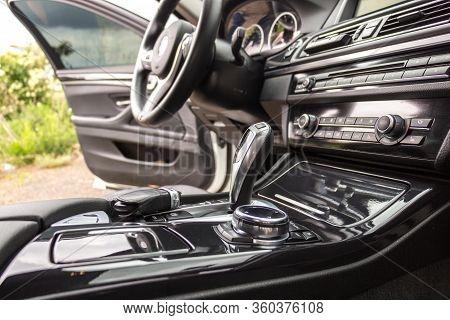 Modern Car Interior, Steering Wheel And Dashboard, Car Navigation, Automatic Transmission Shift Sele