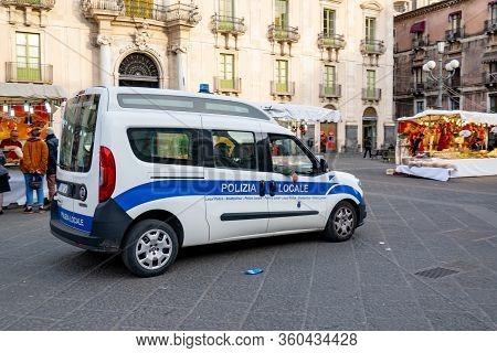 Catania, Sicily - February 12, 2020: Fiat Doblo Maxi Police Car Of The Polizia Locale (city Police)