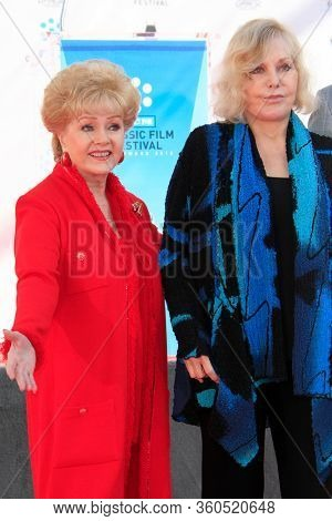 LOS ANGELES - APR 4:  Debbie Reynolds, Kim Novak at the Kim Novak Hand and Foot Print Ceremony at the Grauman's Chinese Theatre on April 4, 2012 in Los Angeles, CA12