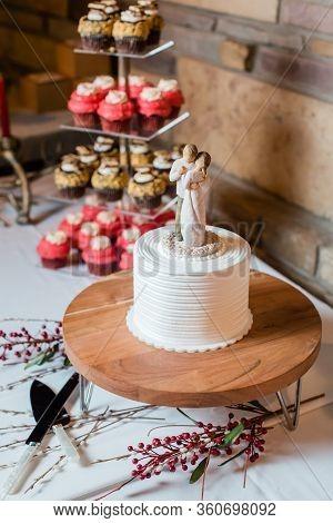 Wedding Dessert Cupcake Table
