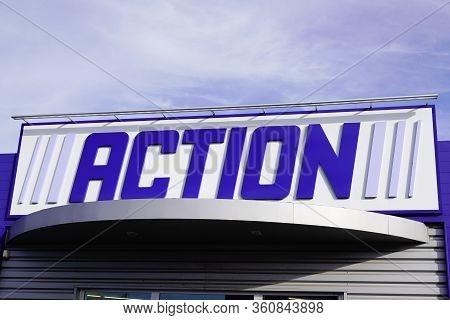 Bordeaux , Aquitaine / France - 10 27 2019 : Action Store Sign Logo Dutch Discount Store-chain Low B