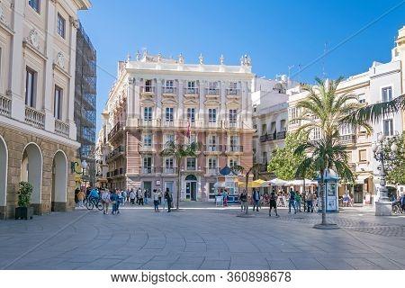 Cadiz, Spain -  November 6, 2019: Casa De Los Pazos De Miranda At The Square Plaza De San Juan De Di