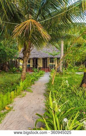 The Small House In The Beach In Mafia Island