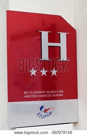 Bordeaux , Aquitaine / France - 03 15 2020 : Three Stars 3 Hotel French Quality Tourism  Logo Sign S