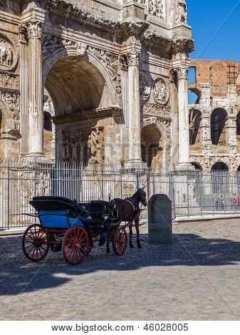 carriage in Rome. arch of thriumph