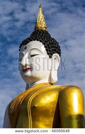 Big Buddha Image At Golden Triangle