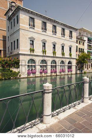 Riverside apartments, Treviso, Italy