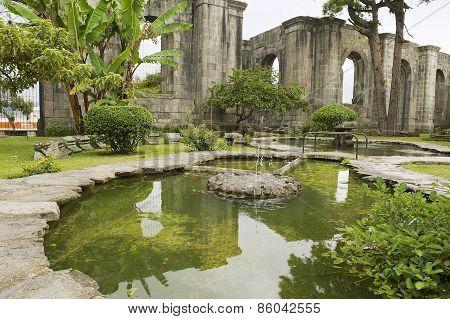 Exterior of the fountain at the ruins of the Santiago Apostol church in Cartago, Costa Rica.