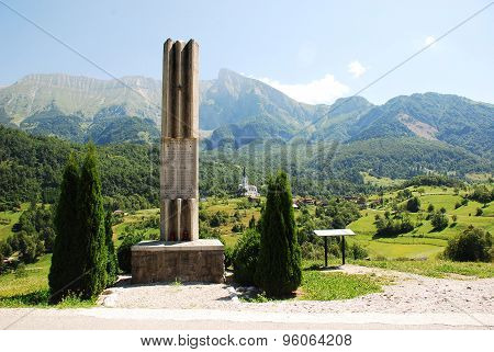 War Memorial Outside Dreznica