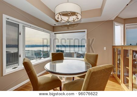 Astounding Dinning Room With An Incredible View.