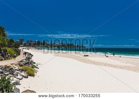 CALOUNDRA, AUS - DEC 17 2016: Hot sunny day at Kings Beach Calundra, Queensland, Australia