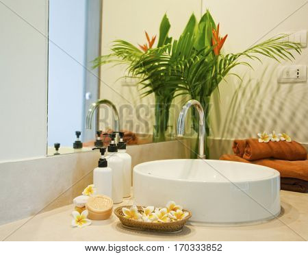 items for spa in bathroom