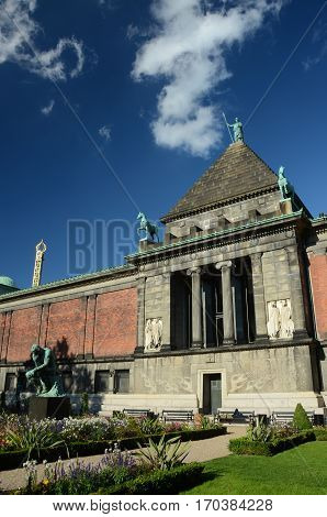 An external view of the Glyptotek building in Copenhagen