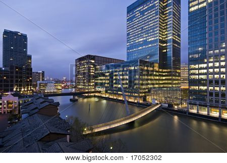 amazing city view of canary wharf after sunset