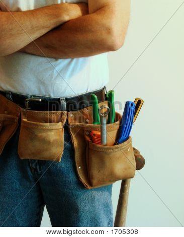 Mann mit toolbelt