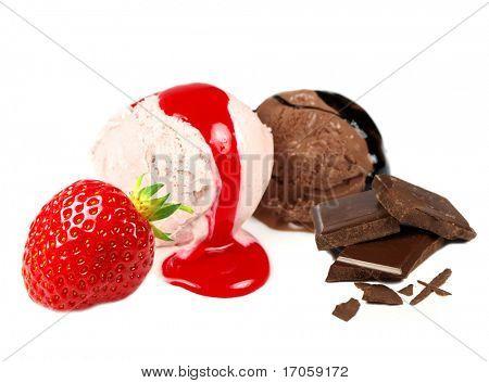 Schokolade und Erdbeer-Eis