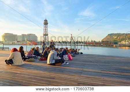 BARCELONA, SPAIN - NOVEMBER 20, 2015: people drawing in Barcelona in the morning. Barcelona is the capital city of the autonomous community of Catalonia in the Kingdom of Spain.