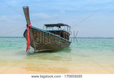 Long Tail Boat
