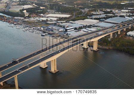 Highway bridge over Brisbane River, Gateway motorway-