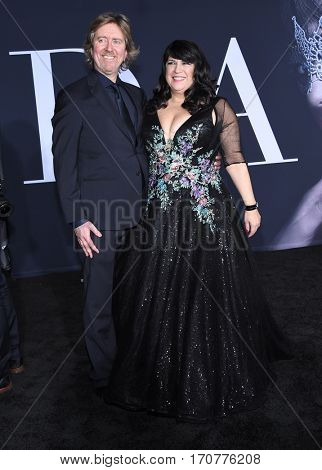 LOS ANGELES - FEB 02:  E.L. James and Niall Leonard arrives to the