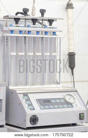 Car's injector diagnostic and repair machine