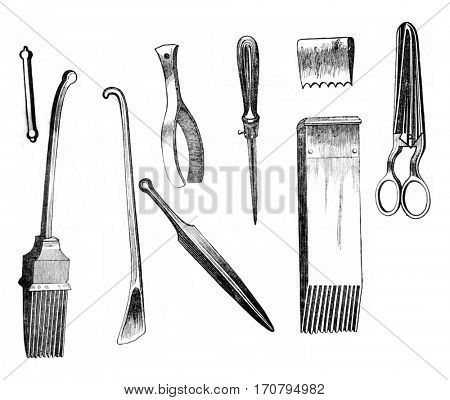 Employees tools for making tapestries and rugs, vintage engraved illustration. Magasin Pittoresque 1845.