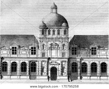 Tuileries Palace, central part as it was executed by Philibert Delorme, 1564, vintage engraved illustration. Magasin Pittoresque 1844.