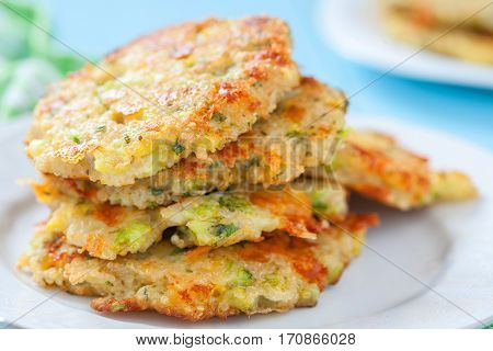 Delicious Broccoli Cheddar Cheese Fritters with Quinoa
