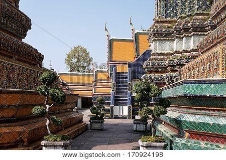 architecture grand palace bangkok majestic thai culture