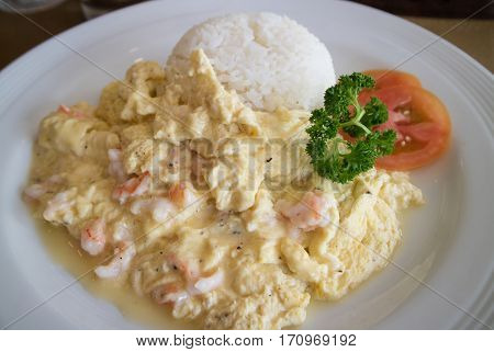 Scrambled Egg With Shrimp And Rice
