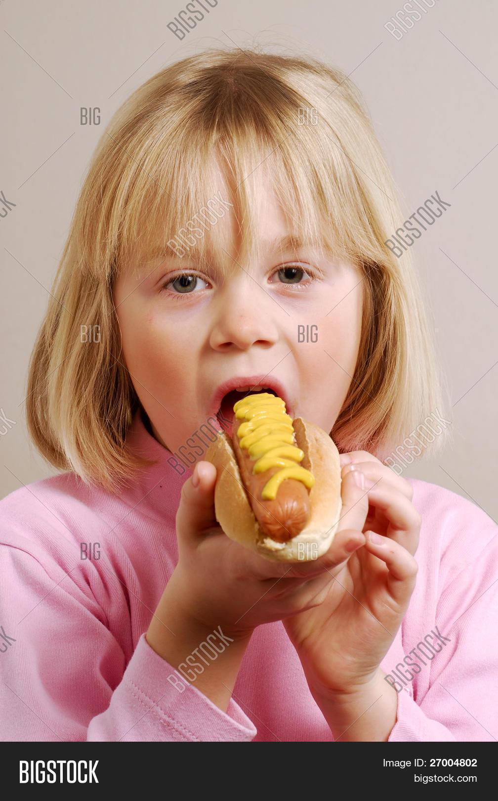 little girl hot photo