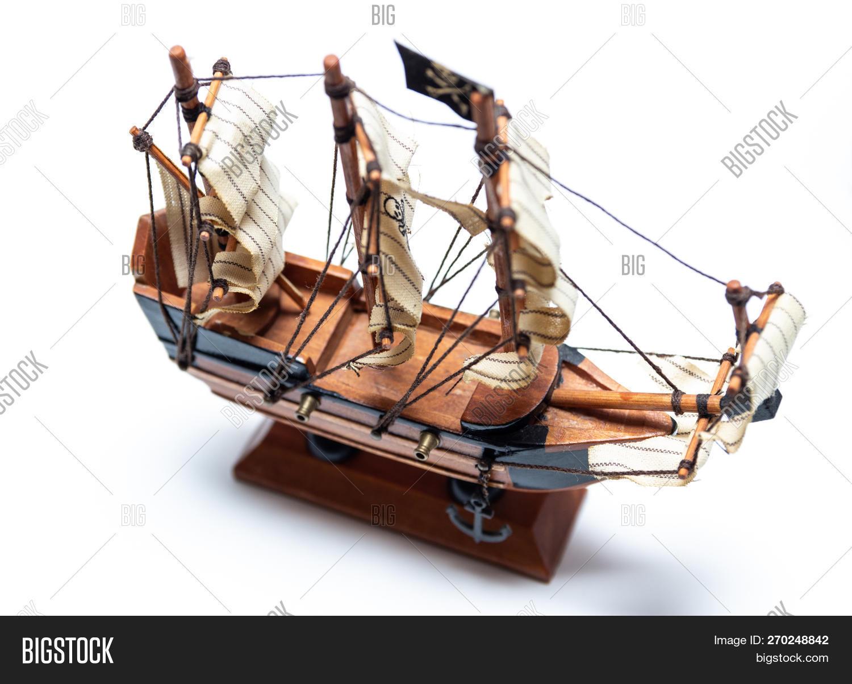 Little Pirate Schooner Image & Photo (Free Trial) | Bigstock