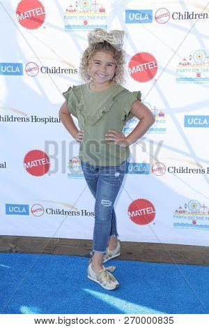 LOS ANGELES - NOV 18:  Emmersyn Fiorentino at the UCLA Childrens Hospital
