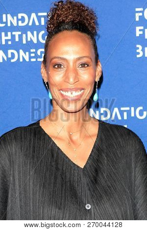 LOS ANGELES - NOV 17: India Osborne at the 2018 Emerald City Gala Visionary Awards Dinner at the Bel Air Country Club on November 17, 2018 in Los Angeles, California
