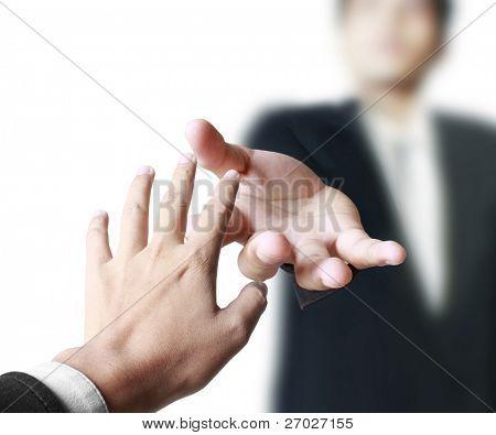 Ayudando en el negocio de la mano