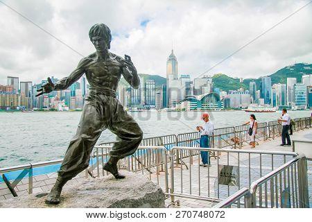 Hong Kong, China - July 3, 2007: Bruce Lee Statue In Hong Kong, China, A Memorial Figure Of The Famo