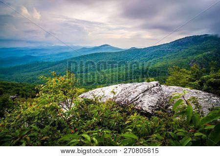 Rough Ridge Overlook Viewing Area Off Blue Ridge Parkway Scenery