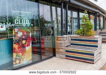 New Brighton, Uk: Jun 3, 2020: A Bella Italai Restaurant Is Temporarily Closed Due To The Covid-19 P