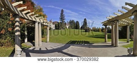 King City, Ontario / Canada - 10/17/2008: Spectacular Panoramic View Of The Mansion That Used As Edu