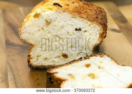Cut Into Chunks Of Real Delicious Bread With A Crisp Crust And Soft Fresh Flesh, Food Close Up