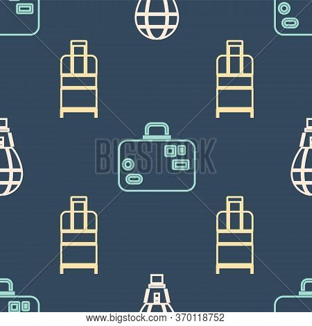 Set Isometric Hot Air Balloon, Suitcase And Suitcase Icon. Vector
