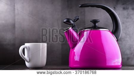 Traditional Stainless Steel Stovetop Kettle With Whistle Of Two Litres Capacity